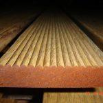 lantai kayu taman