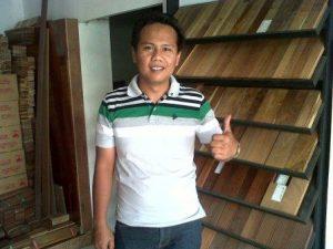Toko lantai kayu di Indonesia