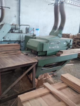 mesin lantai kayu