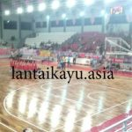 Pemasangan lantai kayu di GOR CMS Cirebon