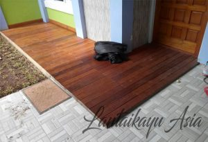 contoh pemasangan Lantai Kayu