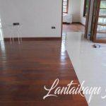 lantai kayu di rumah