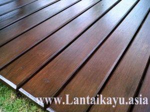 contoh pemasangan decking kayu