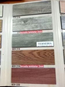 Lantai Vinyl Motif kayu