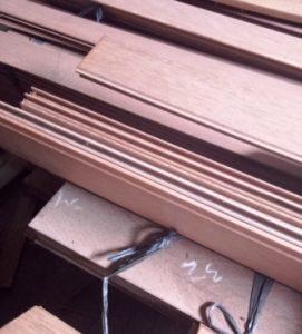 kayu plafond
