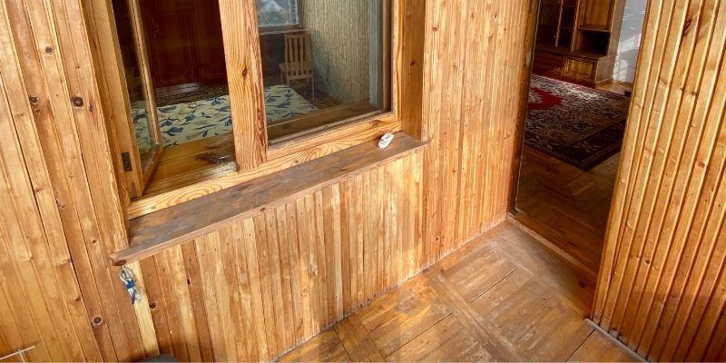 desain rumah klasik menggunakan material kayu