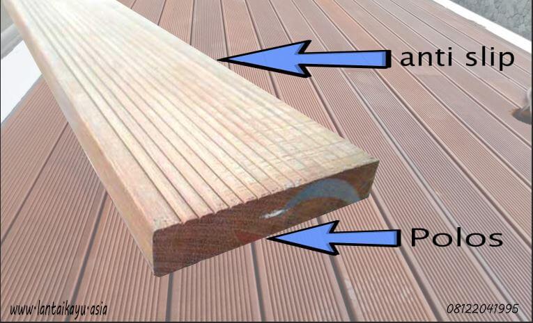 Fitur Decking kayu Ulin