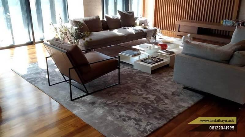 Lantai kayu terbaik untuk ruang tamu