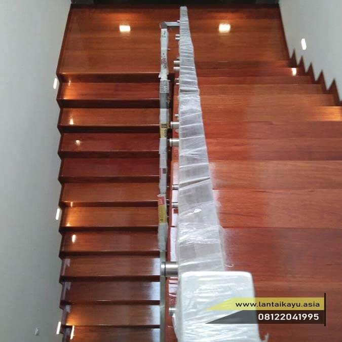 tips memilih lantai kayu yang pas untuk area ruangan tangga