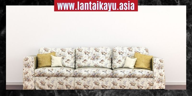 Cara Mendekorasi Rumah Minimalis - gunakan sofa floral