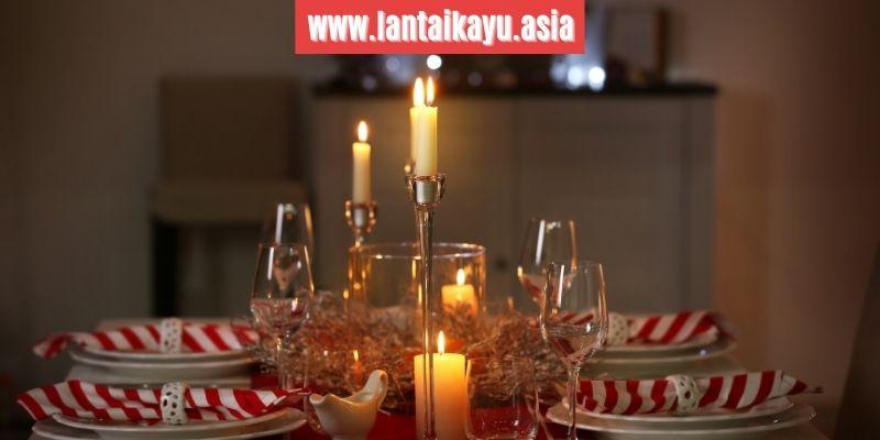5. Sediakan Candlestick (Tempat Lilin) di Atas Meja Makan
