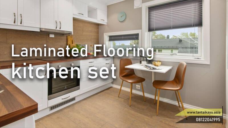menghitung ongkos/biaya pasang lantai kayu di kitchen set