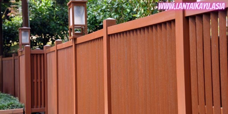 10 Model Pagar Kayu Minimalis Untuk Rumah - jepang backyard